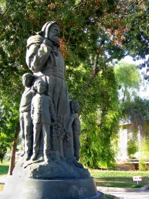 kale-st-nick-statue2-c-andrys